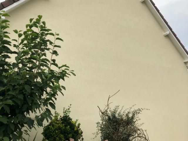 Ravalement de façades et pignons finition talochée d'une maison individuelle